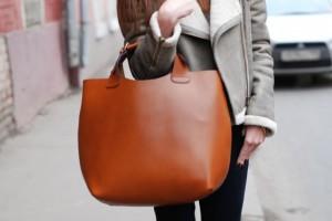 01 20120304100347 300x200 - С какими сумочками не стыдно появиться на людях в 2013 году