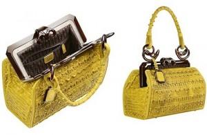 1364750266 modnye sumki 2013 4 300x195 - Модные сумочки для модниц в 2013 году
