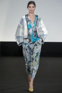 1365522759 fashion trends for spring summer 2013 22 200x300 - Самые жаркие тренды 2013 в Восточно-Азиатском стиле