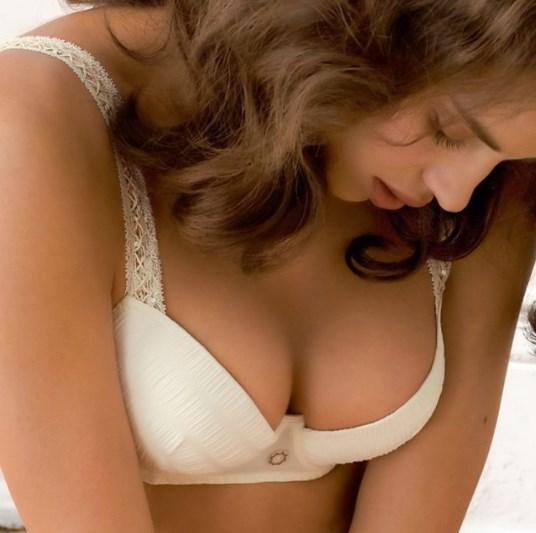 Массаж и крем для подтяжки груди