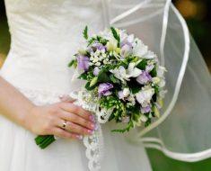 Свадебный букет из фрезий: нежный выбор на свадьбу