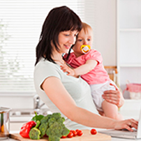 Полезные фрукты для мамочек и их малышей