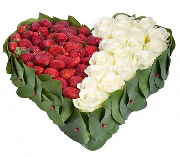 Love Box klubnika - Цветы Балаково: доставка цветов в Балаково