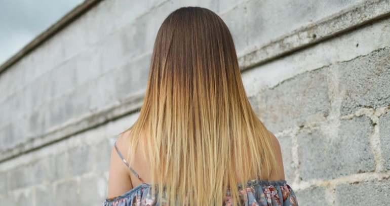 Uhazhavaushi shampun dlya okrashennih volos HairX - Ухаживающий шампунь для окрашенных волос HairX