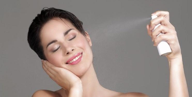 Spey fiksator makiyaza - Закрепляющий спрей для макияжа The ONE