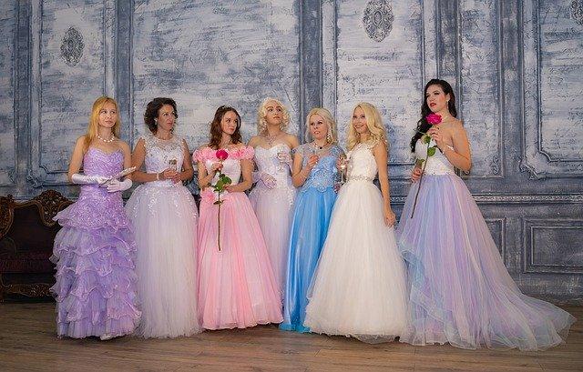 Как выбрать вечернее платье по типу фигуры
